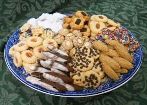9 varieties of cookies on a pretty plate
