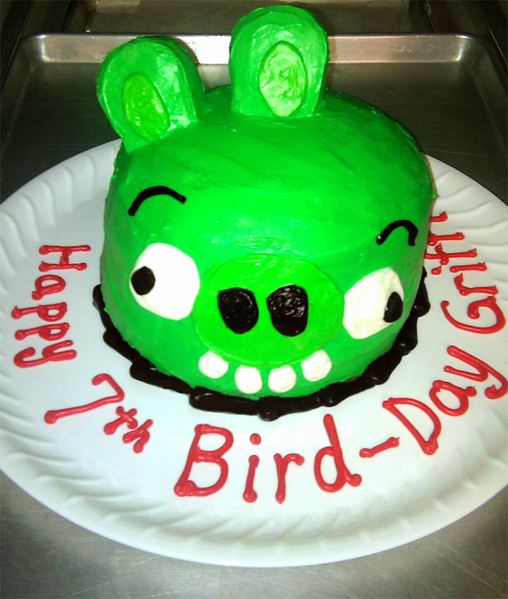 Awe Inspiring Bad Piggy Birthday Cake Angry Birds Dolci Italian Sweets Llc Funny Birthday Cards Online Overcheapnameinfo