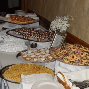 Italian cookie trays for weddings